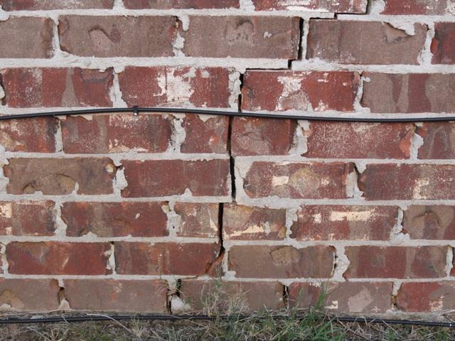 Settlement cracks in 8 year old Brandon home